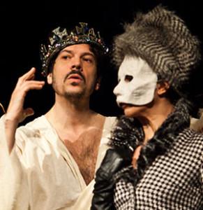 """Milano. Una scena di """"Enrico IV"""" di Pirandello, regia di Alberto Oliva, al Teatro Litta (foto Gianni Congiu)"""