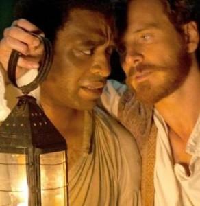 """Chivetel Ejiofor e Michael Fassbender in una scena del film """"12 anni schiavo"""", di Steve Rodney McQueen"""