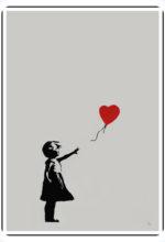 """Banksy. A Milano la """"protesta visiva"""" del writer che ama l'anonimato. E l'anarchica, ribelle street art finisce al museo"""